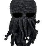 Morbida lana, confortevole copertura, questo cappello (quasi un passamontagna) a forma di maschera da polpo, vi calerà nell'atmosfera dei pirati dei Caraibi.