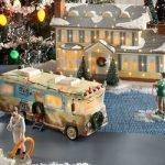 """Quale miglior decorazione di natale della villetta delle vacenze del classico film natalizio """"National Lampoon's Vacation """" ?"""