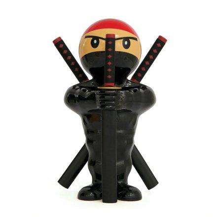 Stai andando a casa di amici e cerchi un'idea per un regalo originale per la loro nuova casa? Stupiscili con questo set di coltelli da cucina Ninja!