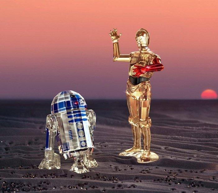 Sei in cerca di una idea regalo preziosa, unica ed originale? I fan della saga di Star Wars impazziranno per queste opere d'arte! Preziosissime riproduzioni Swarovski dei principali personaggi della saga.