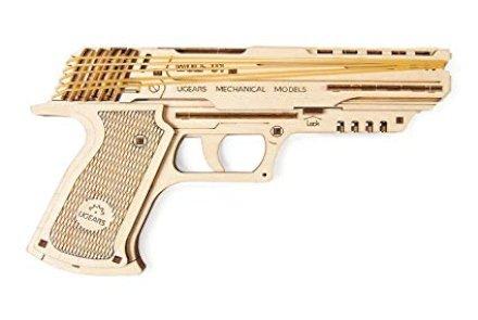Pistola spara elastici in legno. 62 pezzi da montare per costruire una divertente pistola per elastici. Perfetta per un regalo che allontani i nostri ragazzi dai soliti smartphone.