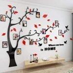 Scopri questo delizioso pezzo di arredo per la tua casa: una sagoma d'albero per decorare la tua parete con cornici da riempire con le tue foto preferite.
