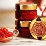 """Curiosa ed originale iniziativa della multinazionale del cibo Heinz che per San Valentino ha presentato questa originale serie limitata di perle di ketchup che chiama """"caviale""""."""
