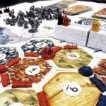 Difendi i regni dei vivi nella speranza di diventare Lord Comandante della Confraternita dei Guardiani , superando le sfide di questa variante del noto gioco da tavolo Catan di Game Of Thrones. Combatterai contro tutti i tipi di temibili nemici e serra le fila del tuo esercito per ottenere la vittoria!