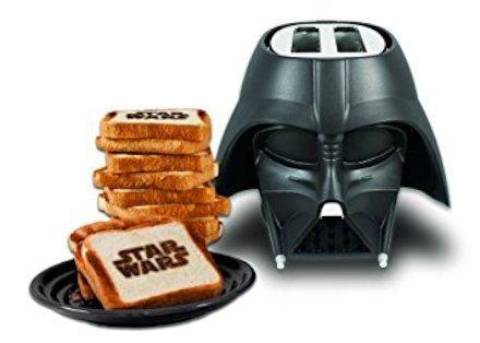 Usa la forza e tosta i tuoi toast a puntino, con tanto di scritta Star Wars laterale, con questo tostapane a tema!