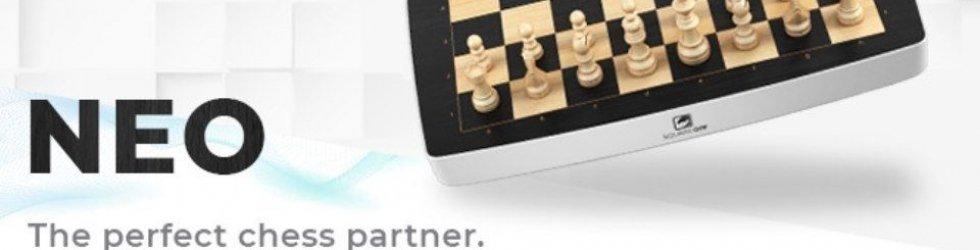 Square Off NEO: L'esclusiva scacchiera che gioca con te