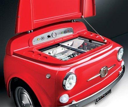 Aggiungi un tocco unico al tuo arredamento con il frigorifero Smeg Fiat 500.