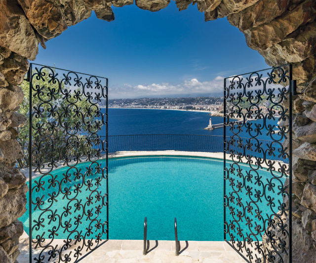 E' tempo di vacanze, cosa c'è di meglio che comprarti la villa estiva di Sean Connery?