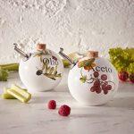 Una eccellenza Made in Italy è la protagonista del nostro suggerimento di oggi. Un Set Oliera e Acetiera in due simpatiche sfere di ceramica.