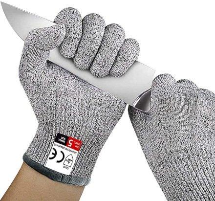 Non c'è bisogno di essere un Avenger per essere a prova di taglio! Con questi guanti in Hppe potrete adoperare affilati coltelli anche se siete maldestri!