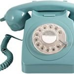 In questa sfrenata corsa alla tecnologia perdiamo di vista tutte le cose belle del passato! Diamo un tocco vintage alla nostra casa con questo Telefono fisso vintage !